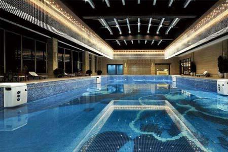恒星泳池恒温热泵系统——让冬天恒温泳池更节能