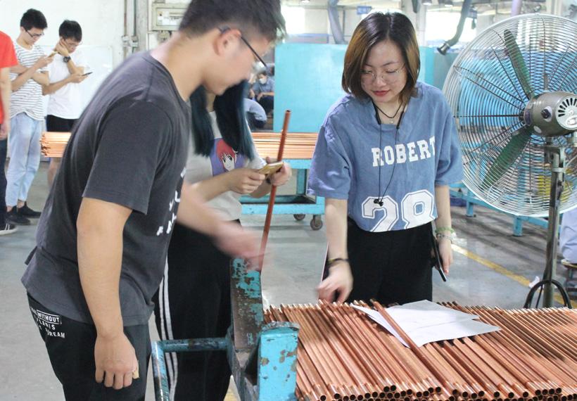 广东工业大学师生来我司交流学习